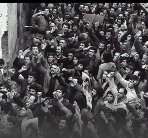 تأکید بر مبانی و شعارهای انقلاب اسلامی